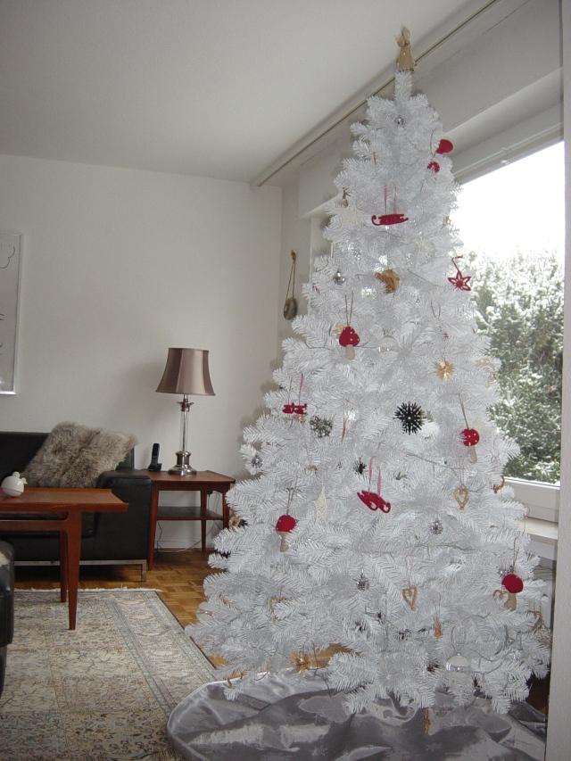 Xmas Tree December 2012 010